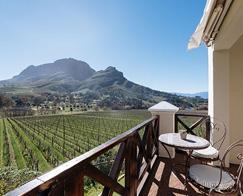 Accommodation-Stellenbosch-Banhoek-Suite-b-495_0003_Banhoek_Suite-6_View_2-1